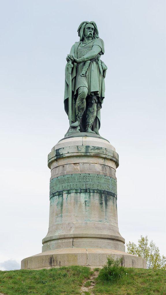 Alise-Sainte-Reine_statue_Vercingetorix_par_Millet